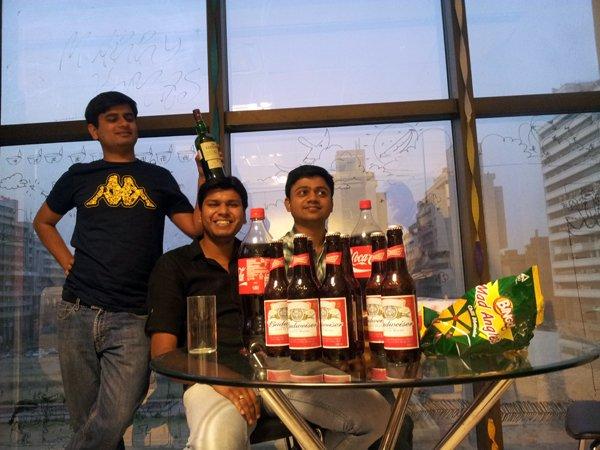 photo of Wingify employees