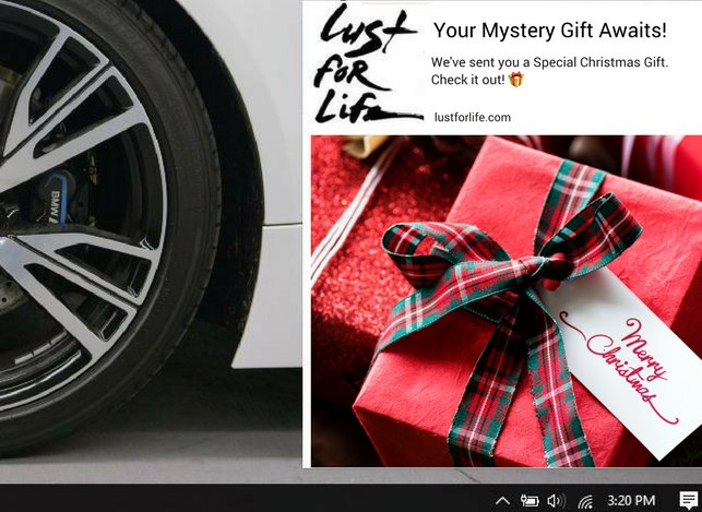 Gift with purchase: give away holiday gifts to make them feel special